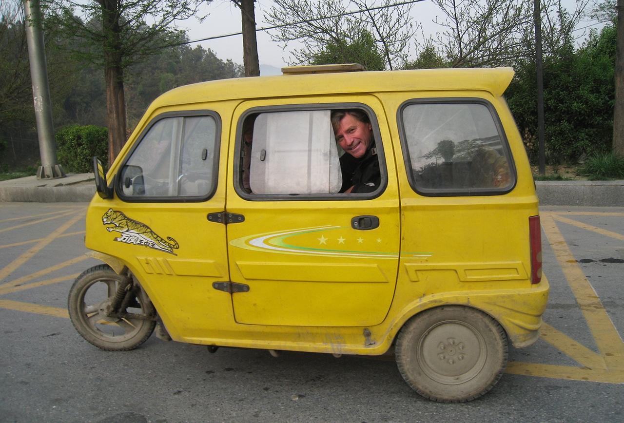 Jon Braeley in a taxi at Wudang Mountain, 2008