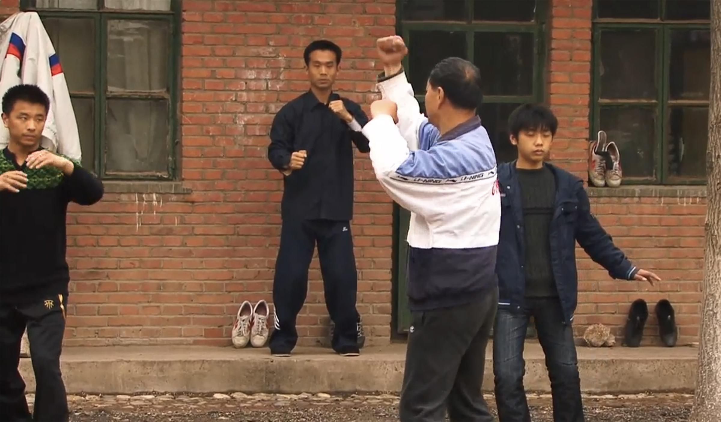 Yiquan master Cui Ruibin teaching at the International Yiquan Center outside Beijing
