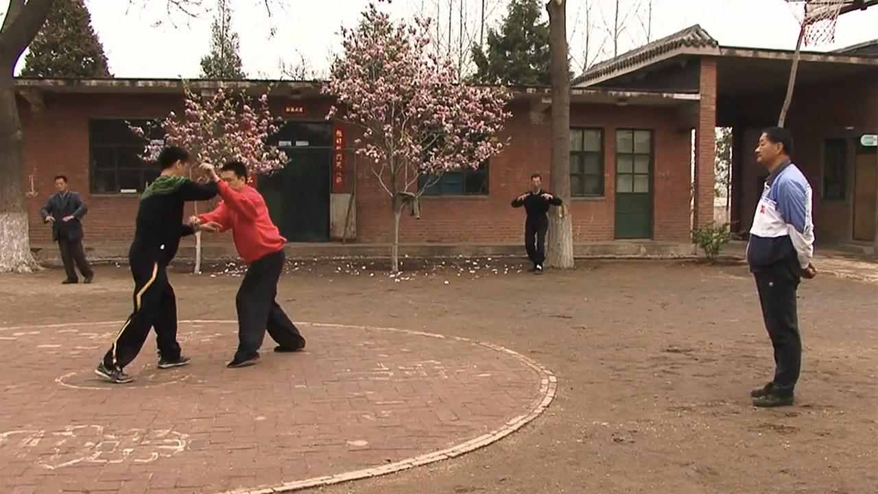 Yiquan master Cui Ruibin teaching Yiquan fighting methods